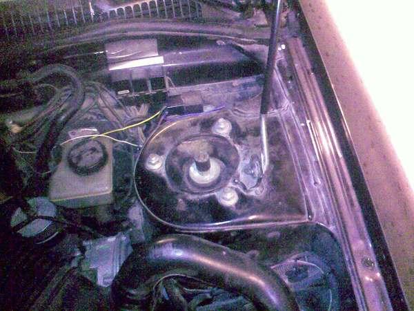 Замена пыльников передних стоек Nissan Primera