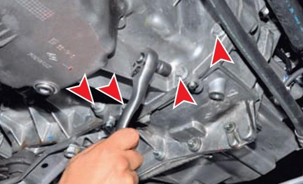 Замена прокладки поддона картера Nissan Almera G15