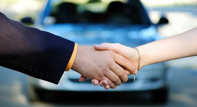 Россияне предпочитают покупать дорогие автомобили
