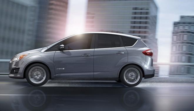 Ford отзывает автомобили C-Max Hybrid