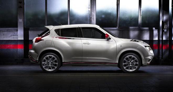Nissan 370Z и Juke Nismo собираются в Париж